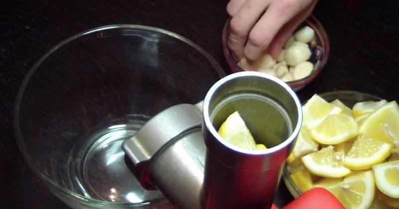 Перекрутка лимона на мясорубке
