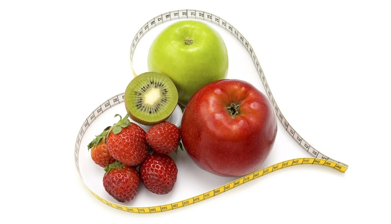 Киви, яблоки и клубника